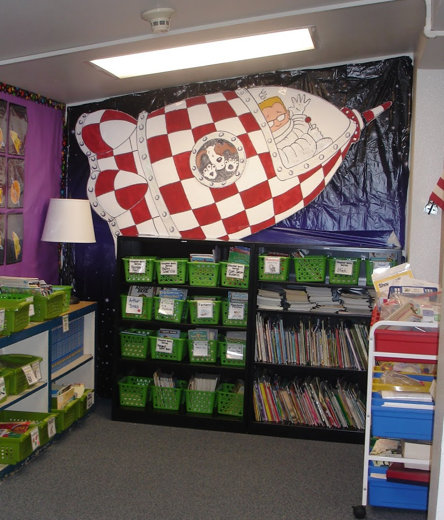 Decorating A Space Themed Classroom ~ Classroom space bulletin board ideas